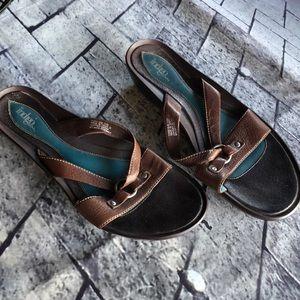 Brown leather Clark's indigo open toe sandals 9.5